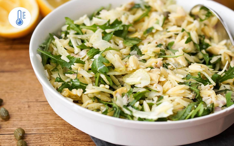 Orzo salát s uzeným lososem