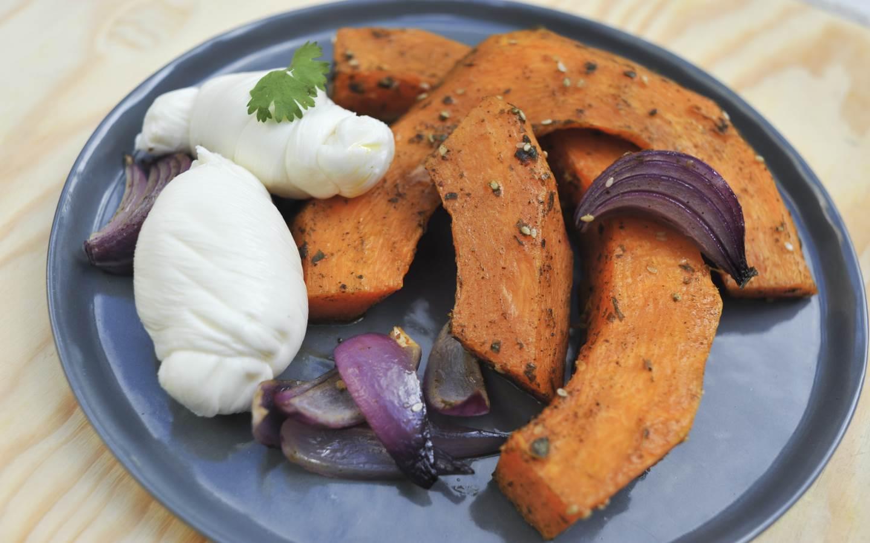 Dýně se Zaatarem a mozzarellou Nodino a sezónní salát
