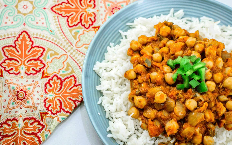 Indická Chana Masala s cizrnou a basmati rýží