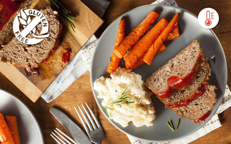 Bezlepková sekaná s BBQ omáčkou, bramborovo-květákovým pyré a dušenou mrkví