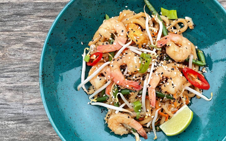 Udon miso nudle s krevetami od kuchaře z Thajska